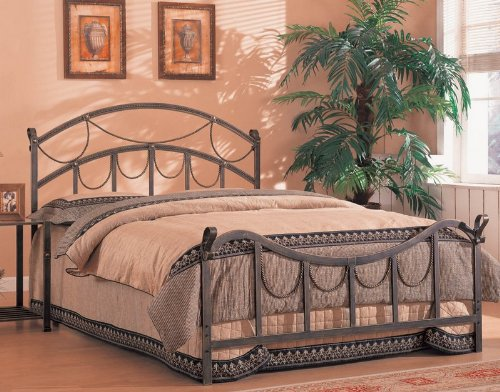 queen size metal bed headboard and footboard in brass finish mattresses bedding online. Black Bedroom Furniture Sets. Home Design Ideas