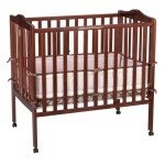 Delta Portable Mini Crib, Cherry