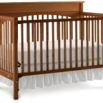 Graco Lauren Classic Crib, Walnut