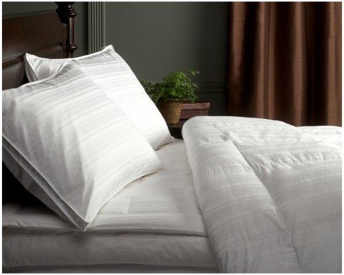 Pinzon Signature Pyrenees Hypoallergenic Medium Warmth White Goose Down King Comforter