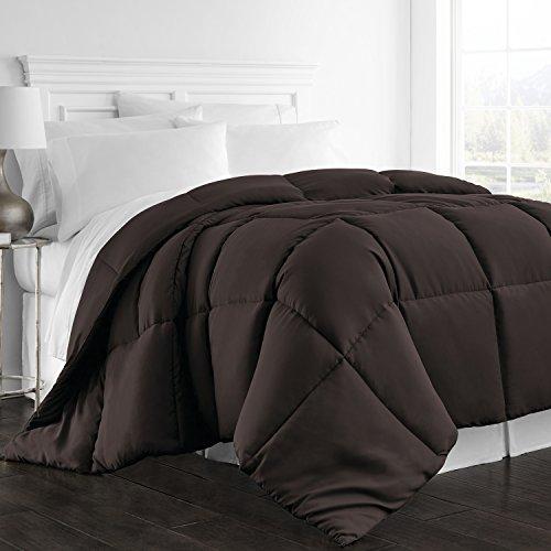 Beckham Hotel Collection Goose Down Alternative Comforter – Full/Queen – Best All Season Luxury Hotel Quality Hypoallergenic Bedding – Chocolate