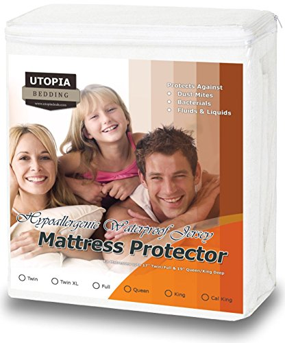 Hypoallergenic Waterproof Mattress Protector – Knitted Jersey Fitted Mattress Cover – Vinyl Free – Noiseless Mattress Guard (Queen) – by Utopia Bedding