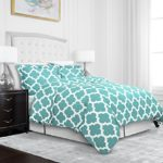 Egyptian Luxury Quatrefoil Duvet Cover Set – 3-Piece Ultra Soft Double Brushed Microfiber Printed Cover with Shams – Full/Queen – Aqua/White