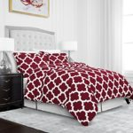 Egyptian Luxury Quatrefoil Duvet Cover Set – 3-Piece Ultra Soft Double Brushed Microfiber Printed Cover with Shams – Full/Queen – Burgundy/White