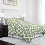 Egyptian Luxury Quatrefoil Duvet Cover Set – 3-Piece Ultra Soft Double Brushed Microfiber Printed Cover with Shams – Full/Queen – Sage/White