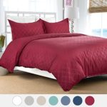 Duvet Cover Set with Zipper Closure-Burgundy Diamond Pattern, Full/Queen (86″x96″)-3 Piece (1 Duvet Cover + 2 Pillow Shams)-110 gsm Ultra Soft Hypoallergenic Microfiber by Bedsure