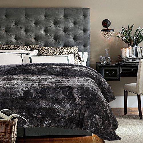 Chanasya Super Soft Fuzzy Fur Faux Fur Cozy Warm Fluffy Beautiful Color Variation Print Plush Sherpa Dark Gray Charcoal Fur King Microfiber Bed Blanket ( KING )- Gray