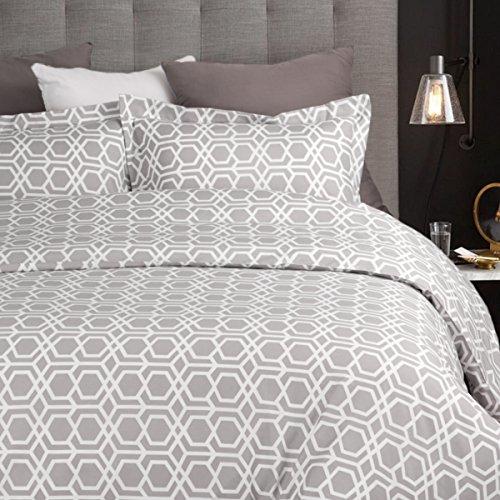 Duvet Cover Set with Zipper Closure-Diamond Geo Grey/White Design,Full/Queen(90″x90″)-2 Piece (1 Duvet Cover + 2 Pillow Sham)-Ultra Soft Hypoallergenic Microfiber by Bedsure